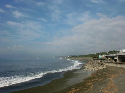 画像:A.M.8:00頃の大磯海岸です。